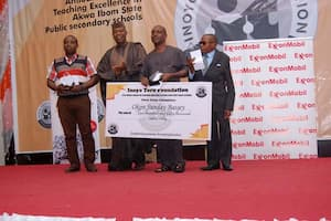Dr Emmanuel Ekuwem (2nd left) with the award winners in the Chemistry category sponsored by Delta Afrik Charitable Foundation