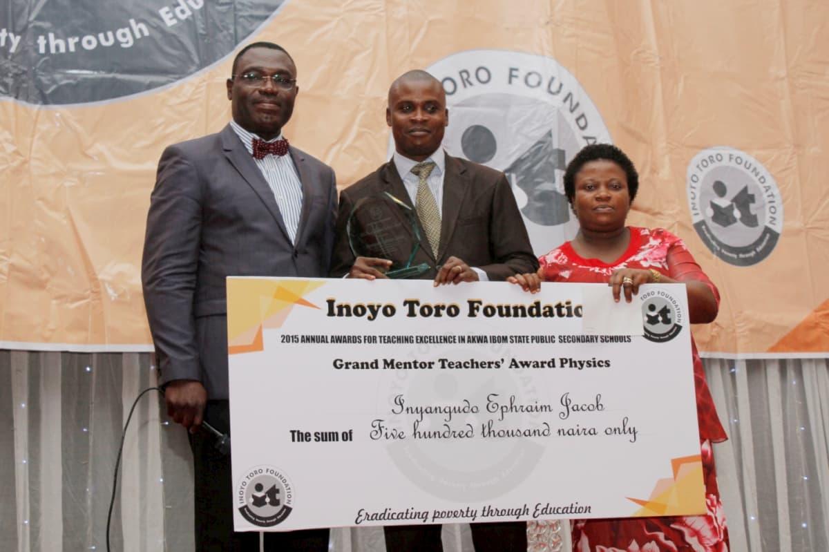 Grand Mentor Award in Physics - Inyangudo Ephraim Jacob