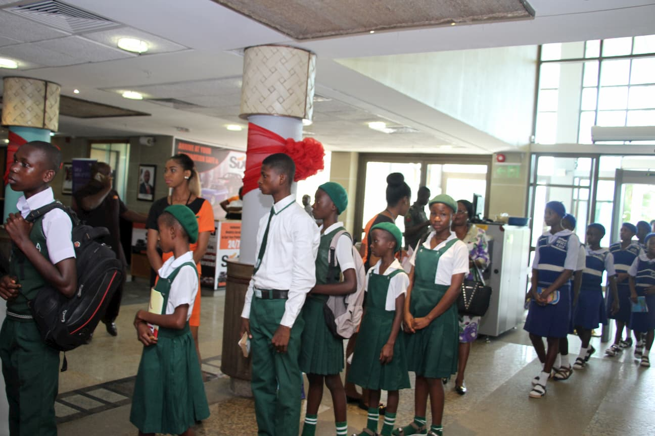 ARRIVAL OF SCHOOLS AND STUDENTS FOR THE MENTORSHIP SESSION