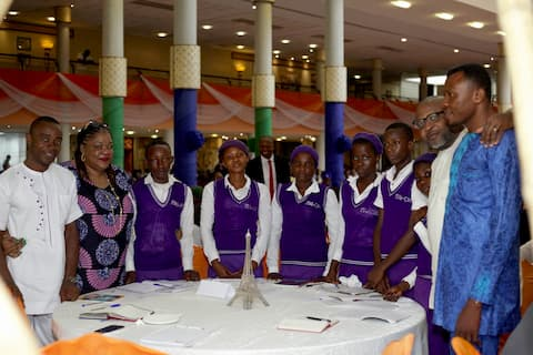 The Students of Itai Comp. Sec. Sch and their mentor Mr and Mrs Kufre Ekanem