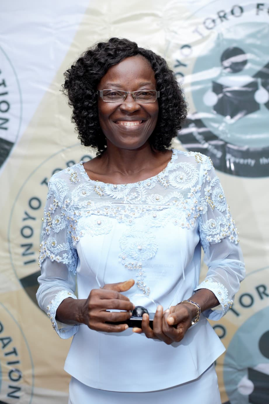The winner, Best Principal's Award- Mrs Elizabeth Uduak Michael of Holy Trinity College, Mbiakong Uruan