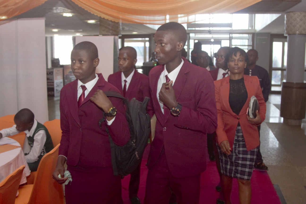 Arrival of students for the 12th ITF Teacher's Award for Excellence Event