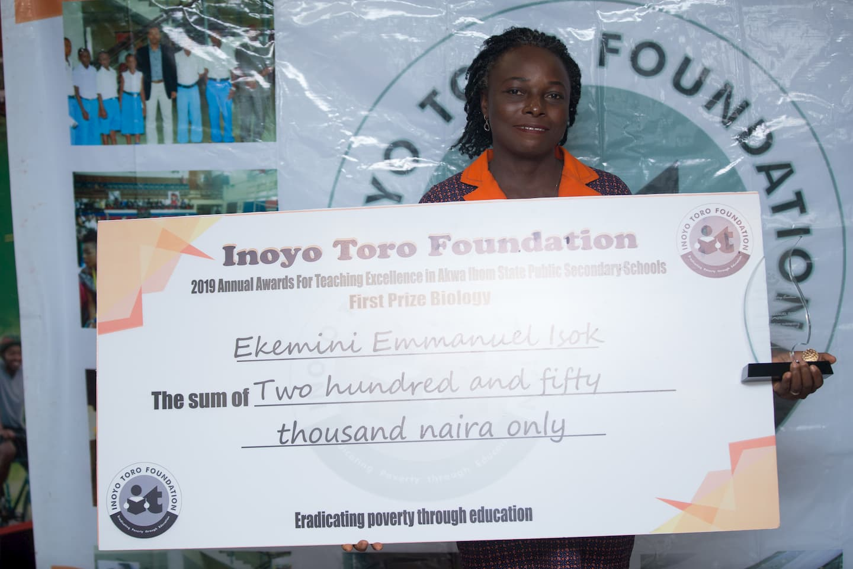 1st Prize winner Biology Ekemini Isok of Sec. Sch. Etoi, Uyo