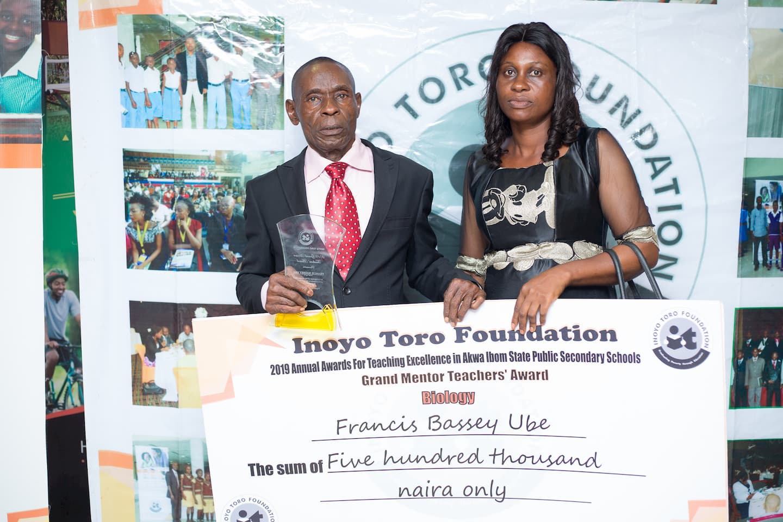 Grand Mentor winner Biology Francis Ube of Sec. Sch. Etoi, Uyo