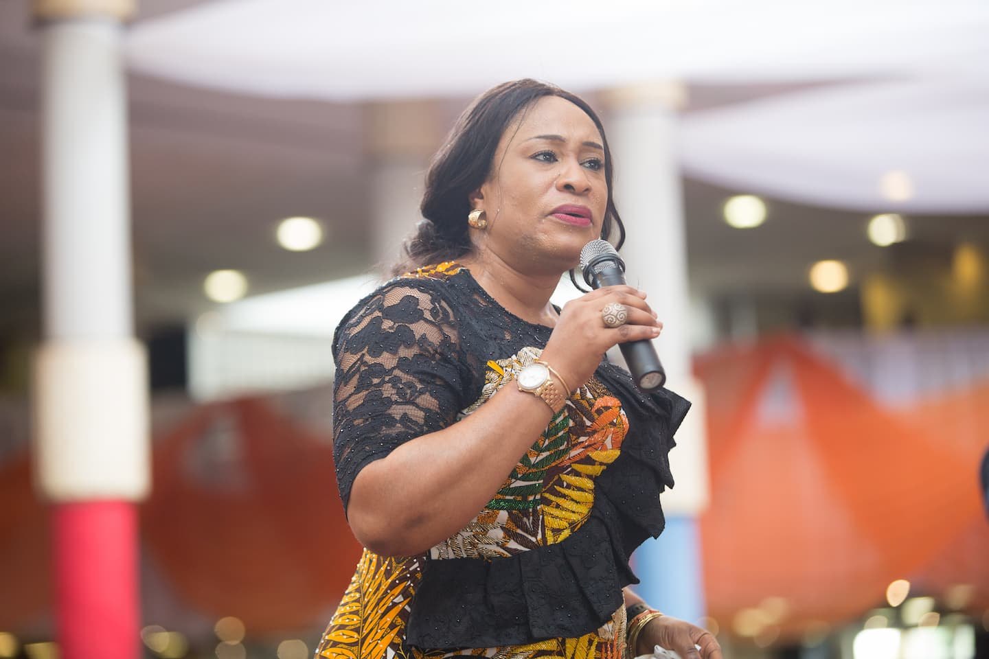 Mrs Ini Abimbola giving her address as the guest speaker. She was phenomenal!