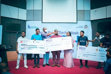 Winners of the #2021 AKITECH Pitch Competition with Mr. Udom Inoyo - Advisor, of Inoyo Toro Foundation